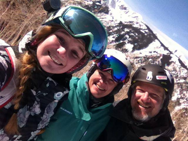 Neel-Family-skiing